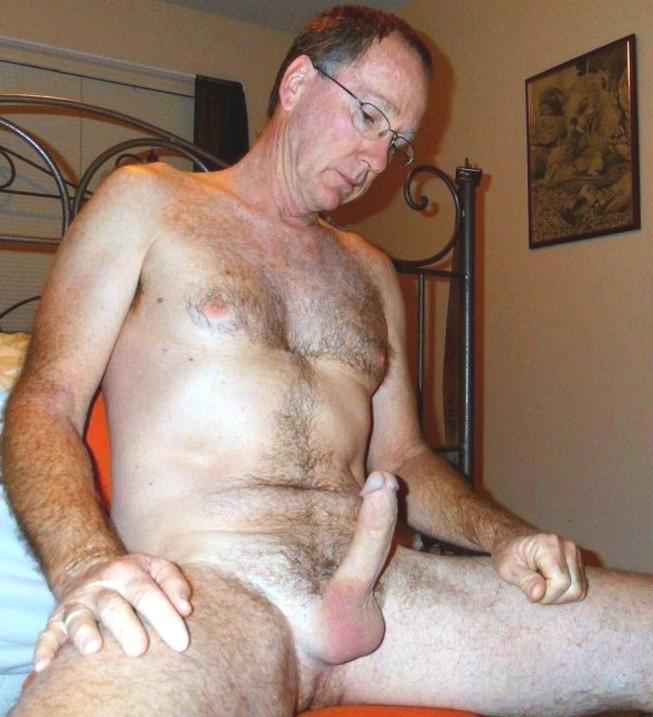 обматываем фото голых мужчин зрелого возраста просто давно